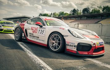 RN Vision STS Cayman GT4