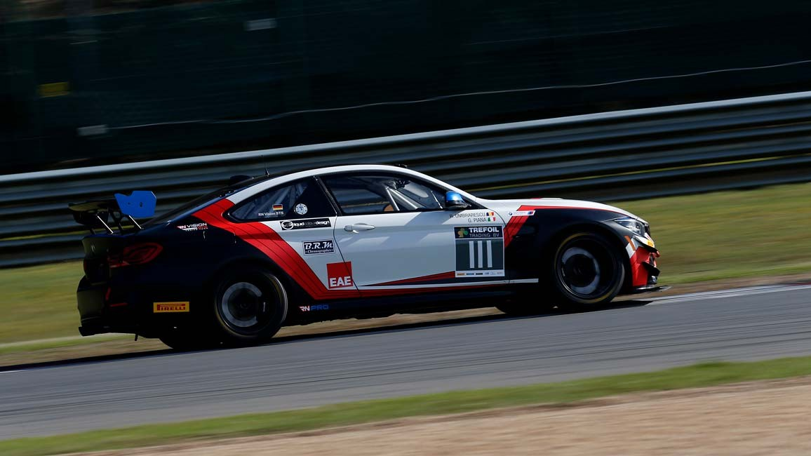 BMW-M4-GT4-4